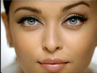 Макияж для зелено голубых глаз