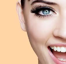 Макияж для голубых глаз шатенок