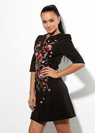 Новая фишка – платье с вышивкой