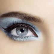 Красивый макияж для голубых глаз - гармоничен и разнообразен