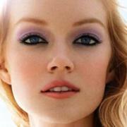 Легкий макияж для голубых глаз на каждый день
