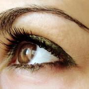 Правильный макияж для темно карих глаз
