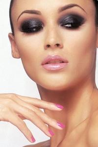 Как сделать вечерний макияж идеальным
