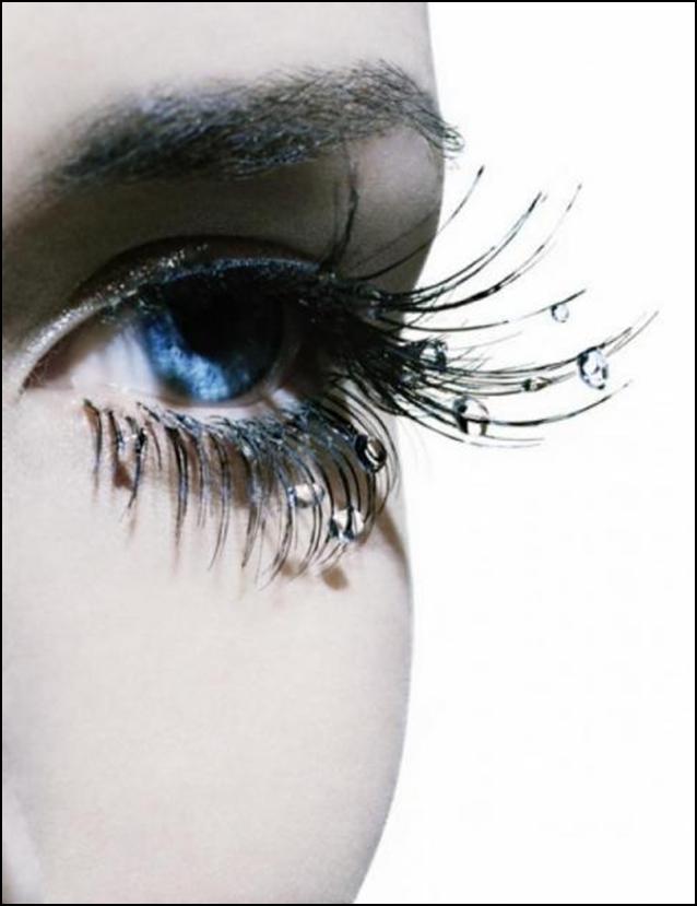 Макияж глаз с применением страз