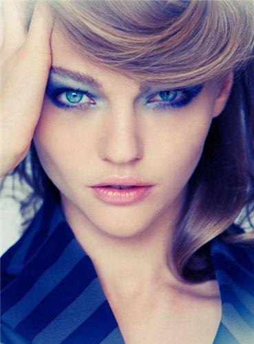 Мкияж синими тенями. Фото
