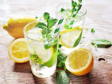 Похудение: свойства обычной воды с добавками