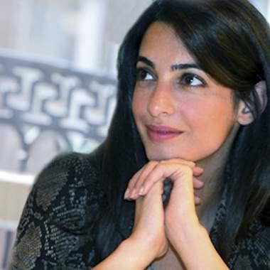 Амаль Клуни удостоена звания женщины года