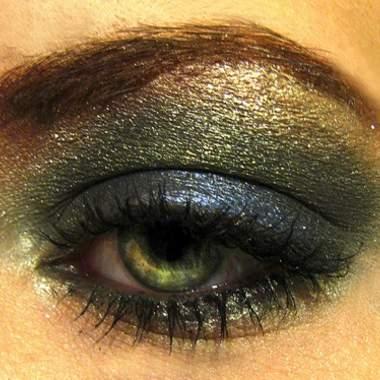 Какие тени необходимы для зеленых глаз