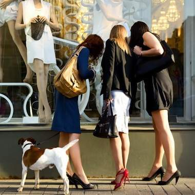 О чем нужно знать, покупая одежду в сток-магазинах