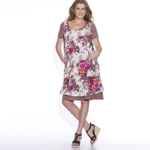 Платья и сарафаны больших размеров для летнего сезонаПлатья и сарафаны больших размеров для летнего сезона